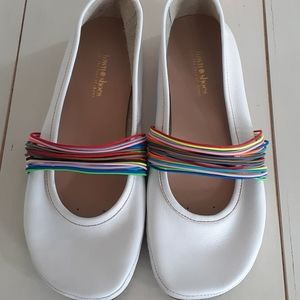 Sporty white leather Town Shoes flats 🌸